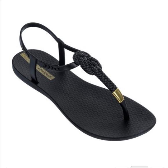 e5a16d44507e NWT - ipanema - Mara sandals